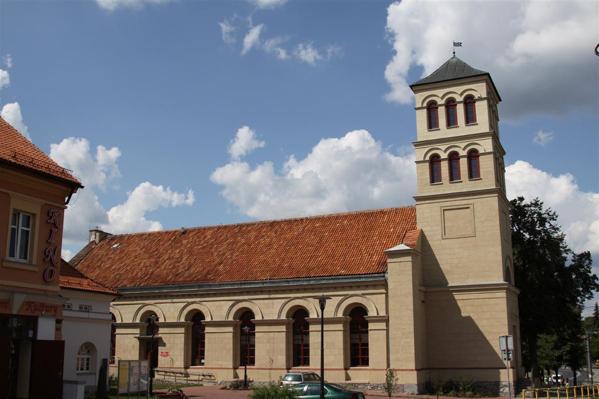Kościół ewangelicki – obecna Miejsko-Gminna Biblioteka Publiczna