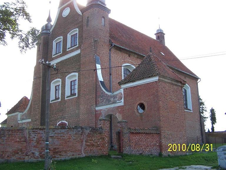 Międzylesie- Kościół pw. Krzyża św. i Matki Boskiej Bolesnej